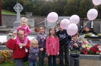 Letting 6 balloons fly for Aine's 6th birthday